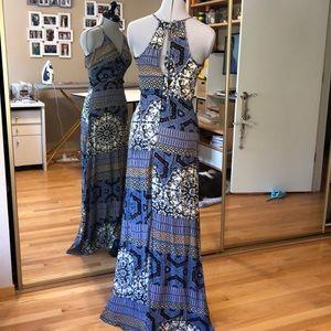 Astr Dresses - Beautiful Maxi Dress XS